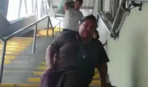 Metro de Lima: usuaria discapacitada debe arrastrarse a causa de ascensores malogrados en estación Gamarra