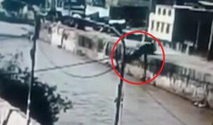 Ica: vehículo cae a río tras error de GPS