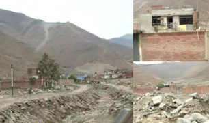 Chosica: familias continúan construyendo viviendas en ribera de río