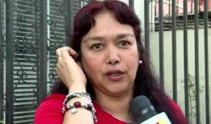 Mujer que impidió ingreso a hombre con su bebé a ascensor pide disculpas