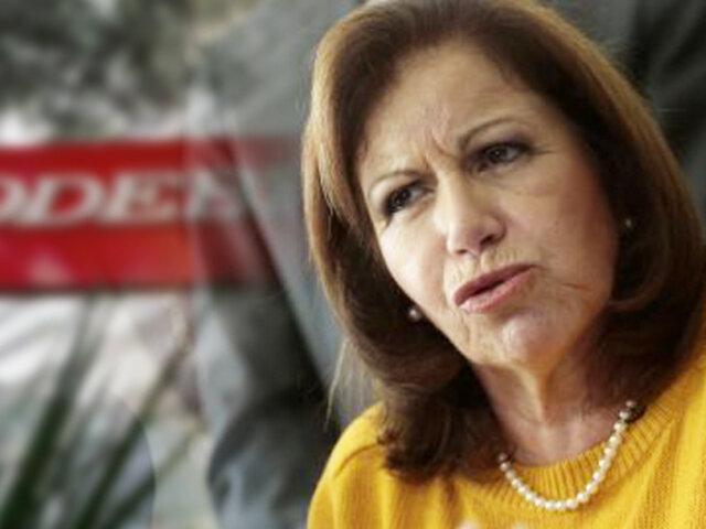 """Lourdes Flores: """"los aportes de campaña no constituyen un delito"""""""