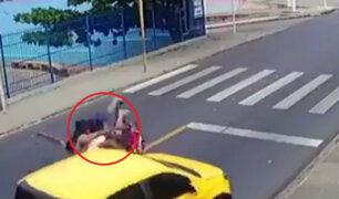 Brasil: motociclistas salvan de morir tras chocar dos veces