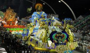 Brasil: escuela de samba se lleva los aplausos de muchos con tributo a Perú