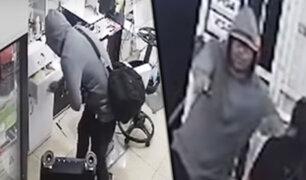 Los Olivos: ladrón reduce a cinco personas para robar fuerte suma de dinero en peluquería