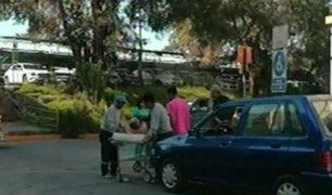 Choque entre bus y auto en Arequipa dejó un muerto y varios heridos
