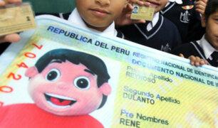 Aprueban proyecto para que padres elijan orden de apellidos de sus hijos