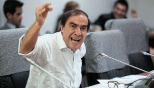 Pese a cuestionamientos Yonhy Lescano participó en Pleno Mujer