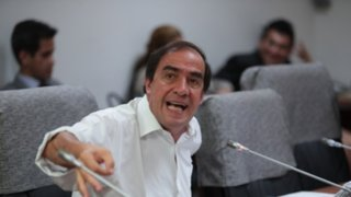 """Yonhy Lescano: """"estamos siendo saboteados por algunas personas de nuestro partido"""""""