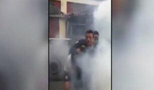 Defensa Legal de la Policía se pronunció tras video de policía inhalando gas lacrimógeno
