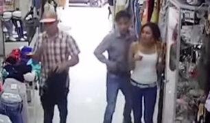 Tumbes: roban 5 mil soles de agente bancario al interior de tienda de ropa