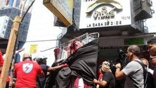 Clausuran iglesia cristiana en Gamarra por guardar mercadería de ambulantes