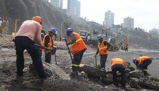 Miraflores: retiran escombros, estructuras de cemento y fierro en playa Redondo
