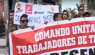 Taxistas realizan plantón frente a Indecopi por concertación de precio del GNV
