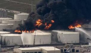 EEUU: incendio consume una planta petroquímica en Texas