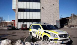 Noruega: cuatro heridos deja ataque con cuchillo en una escuela de Oslo