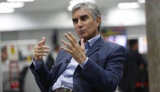 Oblitas reveló nombres de congresistas que visitaron a Oviedo en la FPF