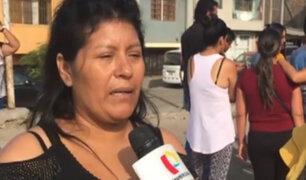 Tragedia en colegio de VES: madre de escolar visitó losa donde su hijo jugaba fútbol