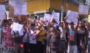 Comerciantes de galería Nicolini piden que se reabra local pese a clausura