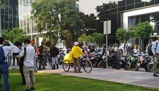 San Isidro: evacúan empleados de edificios por amenaza de explosivo