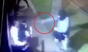 Surco:  roban a transeúntes y disparan a casa de vecinos que intentan frustrar asalto