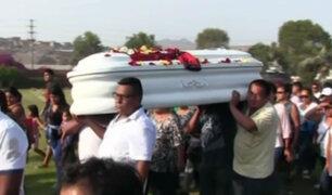 Así enterraron restos del menor que murió por disparo en colegio de VES