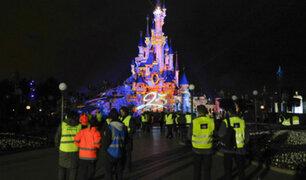 Francia: evacuaron Disneyland París por falsa alarma
