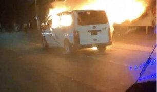Extorsionadores incendian combis para atemorizar a mexicanos