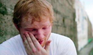 Ed Sheeran sufrió bullying por ser pelirrojo, tartamudo y usar lentes