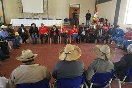 Ministros se reúnen con comuneros por conflicto en Las Bambas