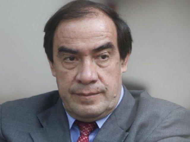 Yonhy Lescano autorizaría que empresas privadas compren vacunas e inmunicen a costo razonable