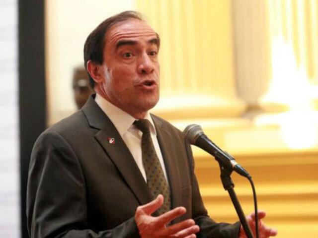 Yonhy Lescano pidió reprogramar cita en la Fiscalía