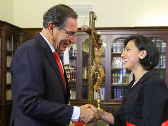 Martín Vizcarra tomó juramento a ministra de Trabajo
