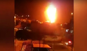 Llamas de fuego consumen taller de autos en Trujillo