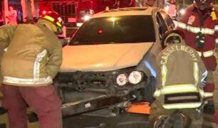 La Victoria: vehículo se despista y choca en la Av. Canadá