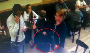 San Isidro: captan a mujer robando cartera en exclusiva cafetería