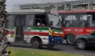 Los Olivos: conductor maneja en sentido contrario en concurrida avenida
