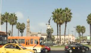 Inmuebles que rodean a la Plaza Bolognesi lucen deteriorados