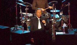 Julio Iglesias decepciona a muchos en show realizado en México