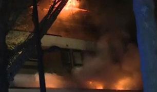 Francia: explosión e incendio en edificio causan pánico en París