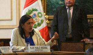 Ministra de Educación admite errores en libros por enfoque de género