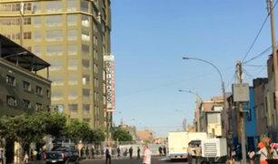 Avenida 28 de Julio: cierran tramo para evitar ingreso de ambulantes
