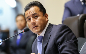 Richard Acuña considera que se debería evaluar aumento de sueldo a congresistas