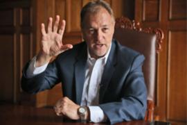Aprobación de alcalde Jorge Muñóz cae 10 puntos, según CIT