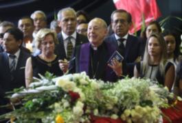 """Juan Luis Cipriani en velorio de Alan García: """"Es momento de acabar con la persecución"""""""