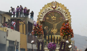 Semana Santa: Señor de los Milagros inició su recorrido hacia Catedral de Lima
