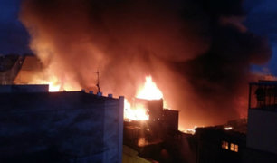 Mesa Redonda: continúa trabajo para controlar voraz incendio