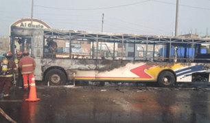 Los Olivos: bus de transporte público se incendió en la Panamericana Norte