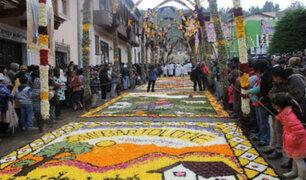 Semana Santa en el Perú: 1500 personas crearon bellísimas alfombras de flores