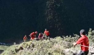 Ayacucho: cinco muertos tras despiste y caída de auto a un abismo