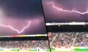 Holanda: impresionante rayo obliga a suspender partido de fútbol